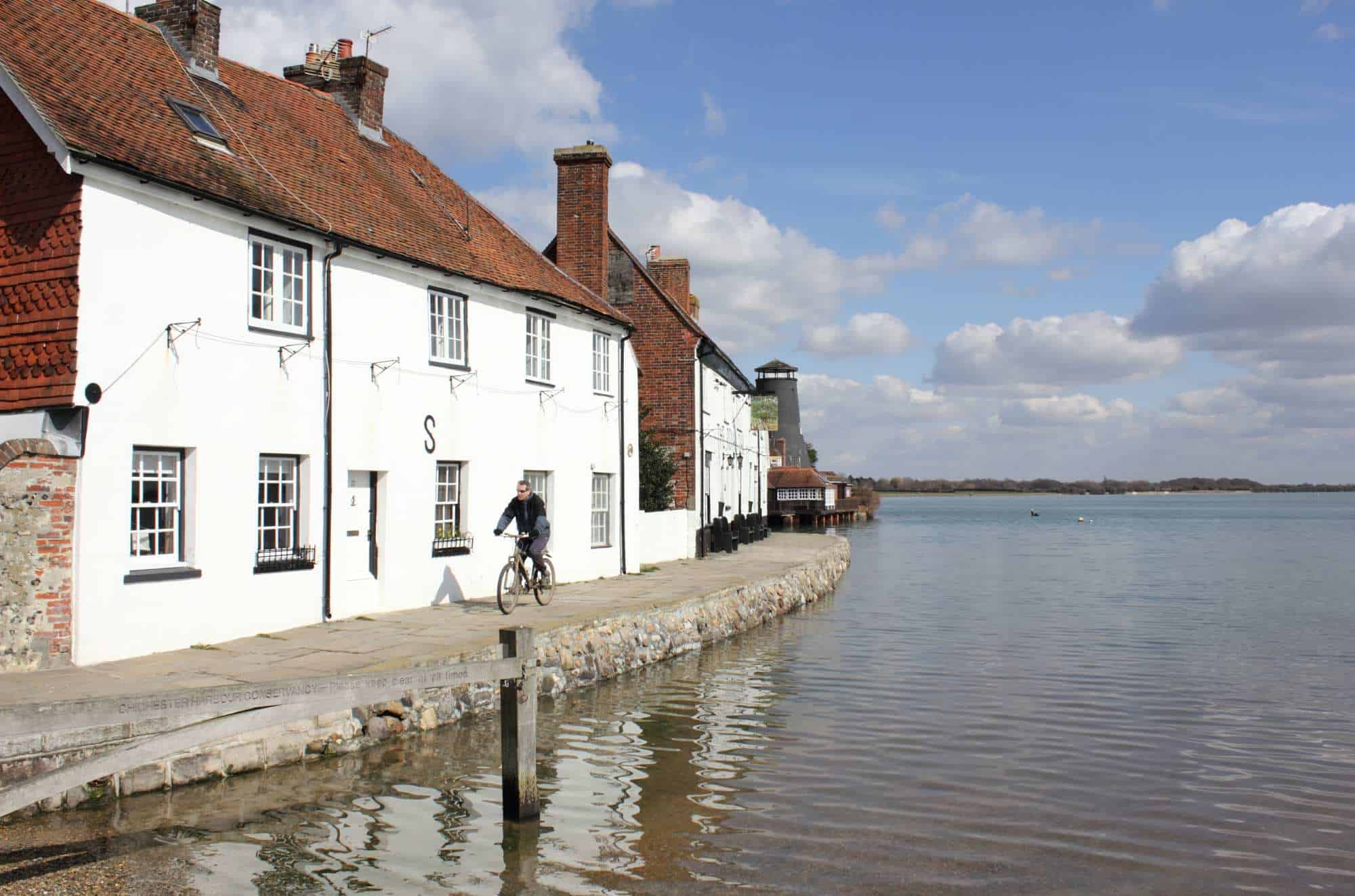 Living in Hayling Island – Great Reasons to Move Here in 2021