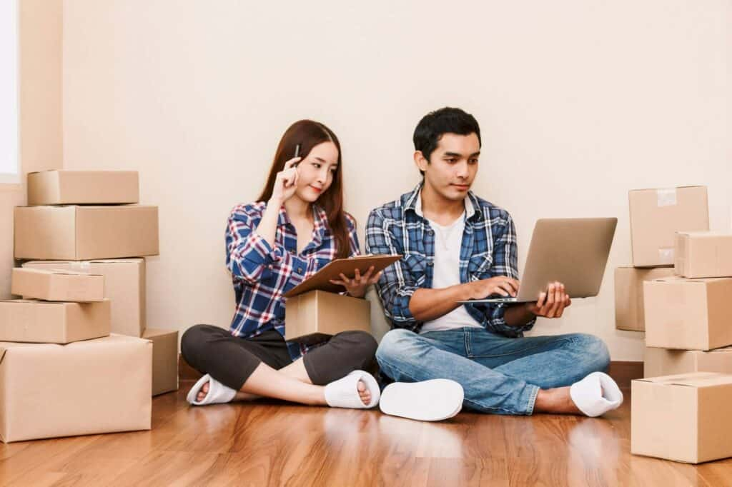 A young couple is planning a house move